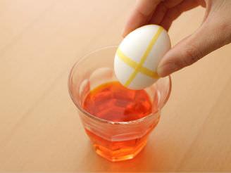 卵染めで、サクッとかわいいイースターエッグをつくる方法_04