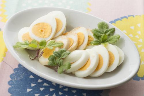 塩レモン、キムチの素、塩麹を使った味付け卵の画像