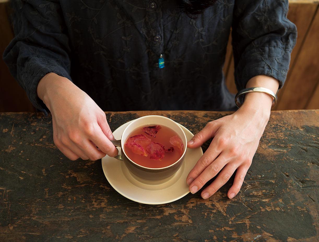 お茶でフラワーセラピー? 目で楽しむ、香りに癒やされるフローラルティはいかが_1
