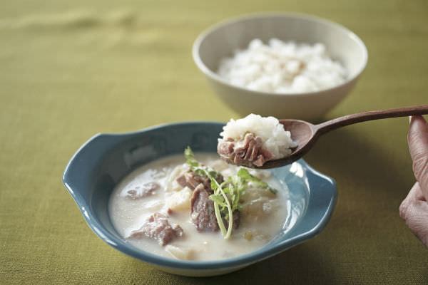 <にしきや>コムタンクッパの白いスープの画像