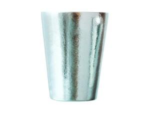 300mlがちょうど入る大きさの「TITANESS Vacuum layer Tall cup 300 Silver」の画像