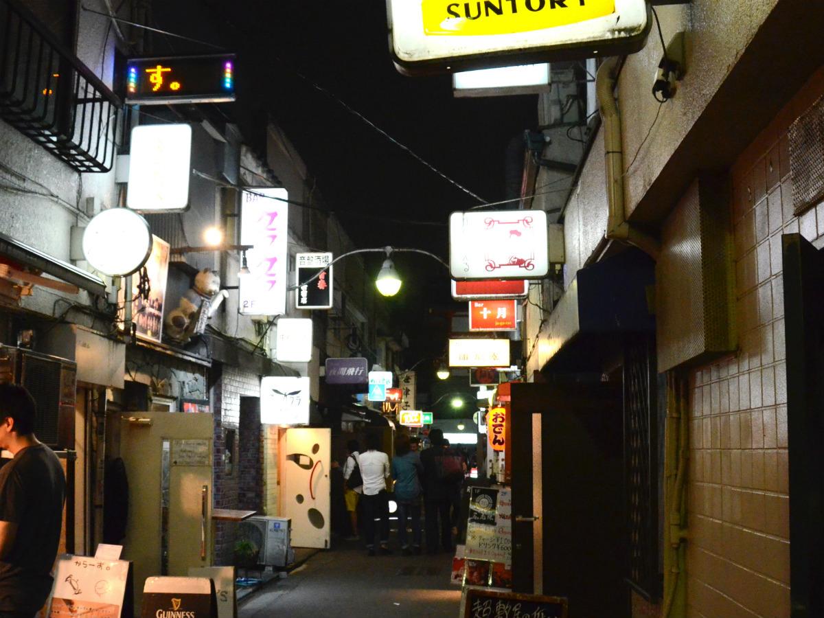 いせたんさんぽ Vol.3/昭和の風情が残る「新宿ゴールデン街」 _01