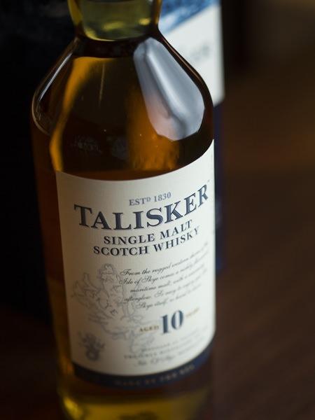 タリスカー10年(700ml)とスコッチ・シングルモルトの画像