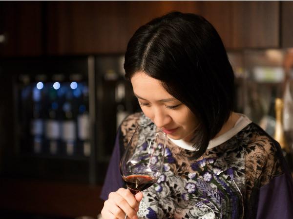 犬山紙子の「伊勢丹お買い場探検隊!」第1回・知られざるワインの洞窟07
