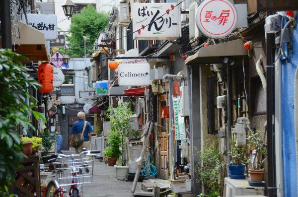 いせたんさんぽ Vol.3/昭和の風情が残る「新宿ゴールデン街」_02