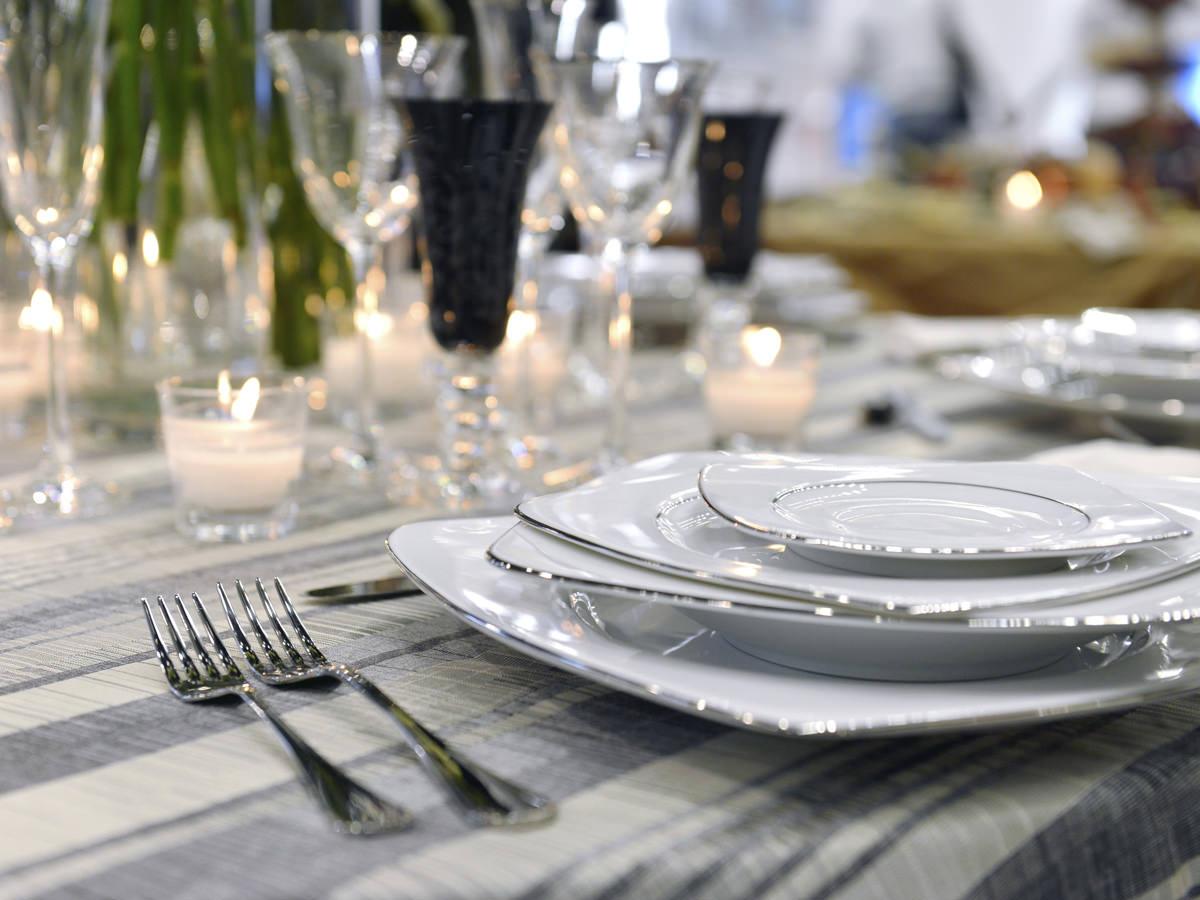 ホームパーティー仕様のテーブルセットのイメージ画像