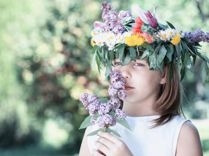 北欧の白夜に想いを馳せて。花冠ケーキで「夏至祭」を祝う_01