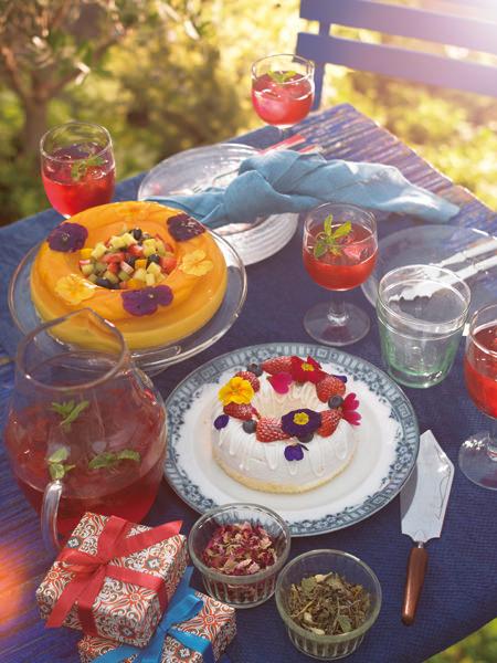 北欧の白夜に想いを馳せて。花冠ケーキで「夏至祭」を祝う_03