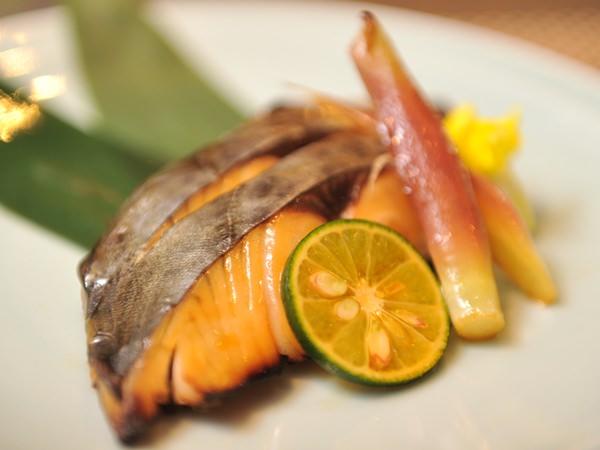 漬け込んだ魚を焼いたイメージ図