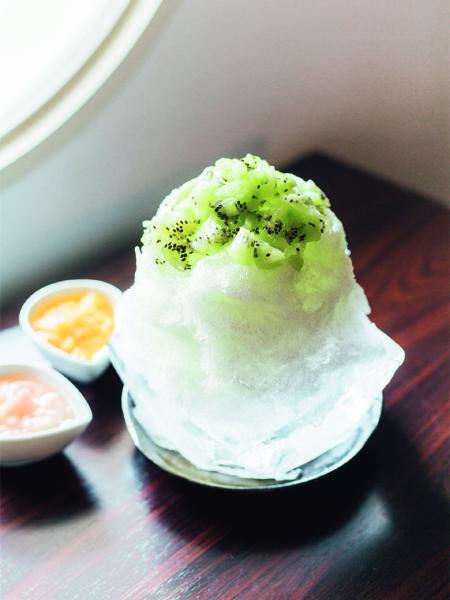 氷の器でかき氷をいただく……京都の「最旬」ひんやりスイーツ3選_2