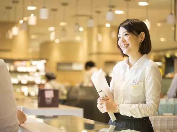三越伊勢丹食品アシスタントバイヤー、遠藤理紗さんの画像
