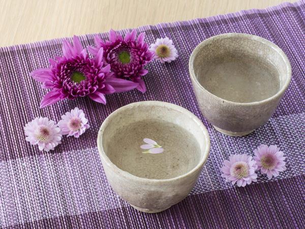 重陽の節句に欠かせない菊酒のイメージ画像