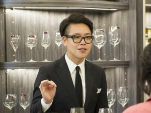 ビアグラスについて教えてくれた『リーデル』の竹中店長