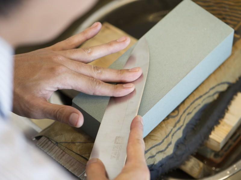 研ぎ石を使った包丁の研ぎ方
