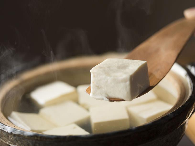 絹のような木綿『只管豆腐』で作る、究極の湯豆腐
