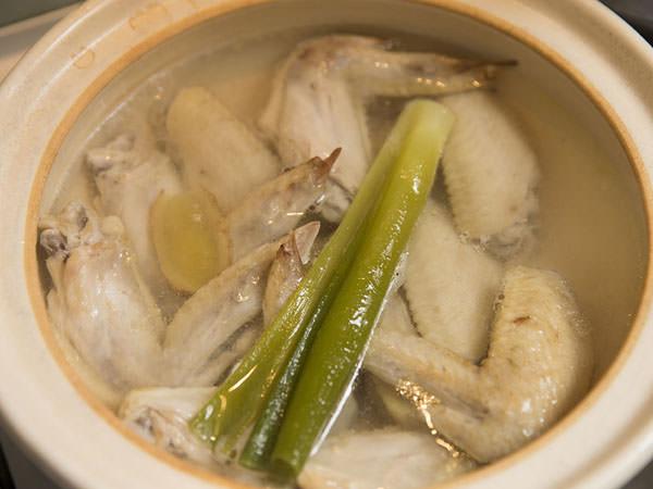 鶏手羽先で作る水炊きのレシピ