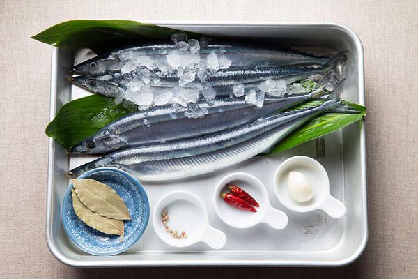 秋刀魚のコンフィの材料