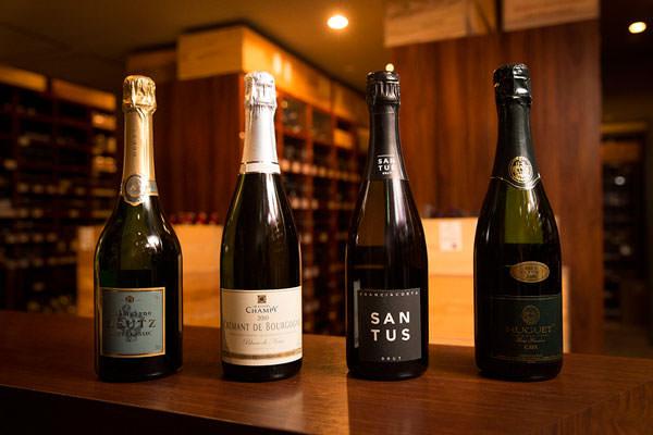 シャンパーニュ、スパークリングワインの瓶