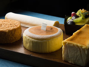レア・ベイクド・スフレ。タイプ別、人気のチーズケーキ5品を食べ比べ!