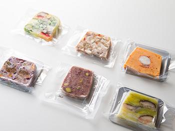 <my patey/エムワイ パティー>写真左上から時計回りに、14種類の野菜のパテ、テットドフロマージュ、ロブスターのパテ、ドライチーズとフルーツのパテ、和牛ときのこのパテ、ポロねぎとカニのパテ