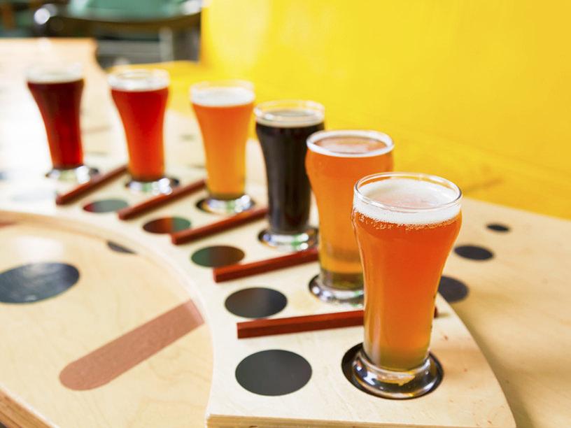基礎知識からグラス選び、トリビアまで。「クラフトビール」まとめ
