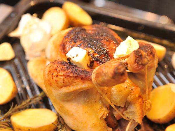 ローストチキンのレシピ、腹面の焼き色
