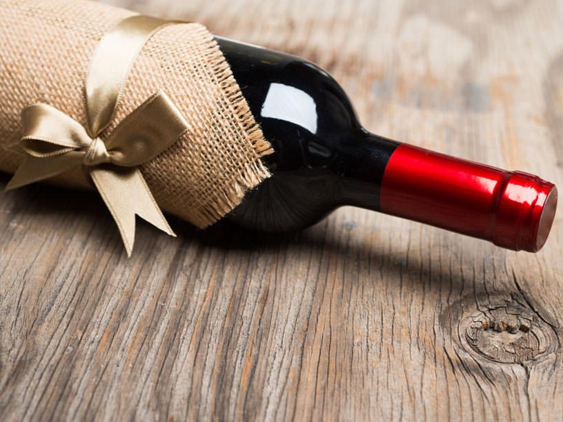 ギフト用のワインボトル