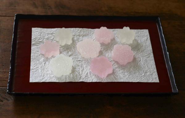 「桜」がモチーフの<石川屋本舗> かいちん