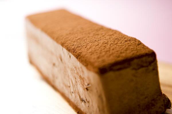 トップスのブラックチョコレートケーキ