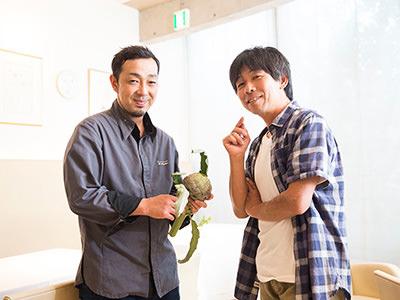 武井敏信さん(右)と静井弘貴さん(左)