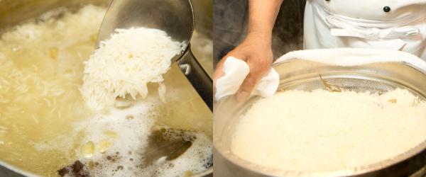 (左)バスマティライスを茹でているところ(右):バスマティライスを湯切りしたところ