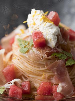 スイカとトマトの冷製パスタ