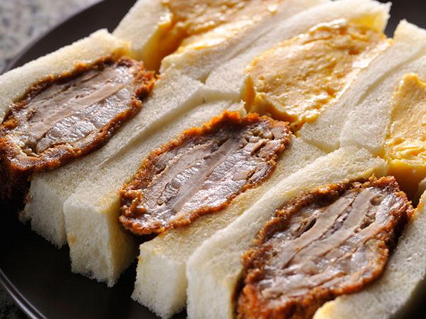 人気の煮かつサンドロースとふわふわ玉子サンド