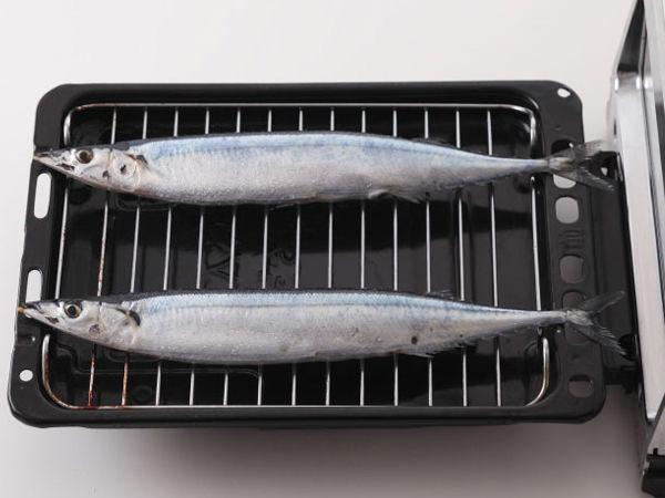 魚焼きグリルにさんまを置く場所が重要