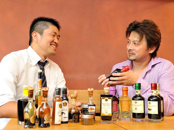 シイ・アイ・オージャパン久保田さん、三越伊勢丹の催事担当、杉崎さん