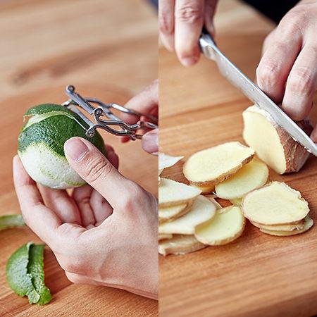 ライムの皮をむき、生姜を薄切りにしているところ