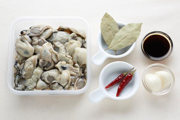 牡蠣のオイル漬けの材料