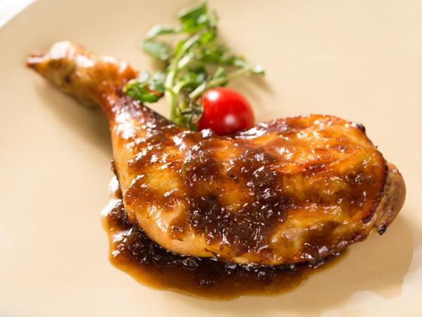 レブレの知床鶏のロースト シャリアピンソース