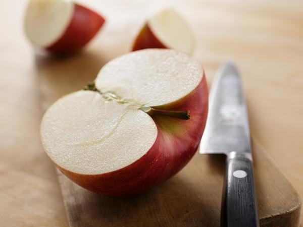 マリネに使うりんごのイメージ