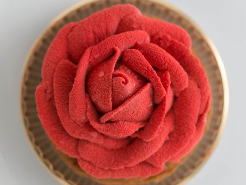 パッション ドゥ ローズの人気ケーキ「ローズ」