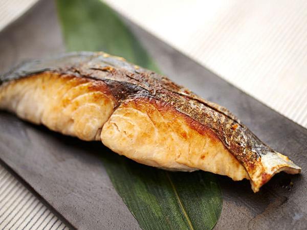 こんがりと焼かれた魚