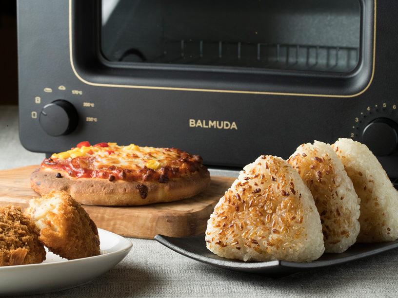 BALMUDA The Toasterとトーストされた食材各種