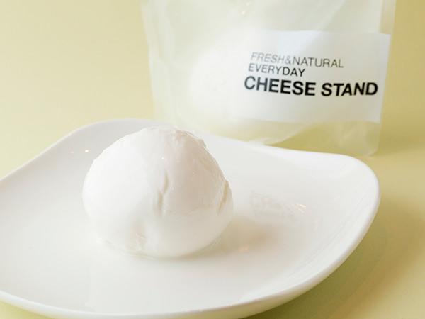 渋谷チーズスタンドの出来たてモッツァレラ