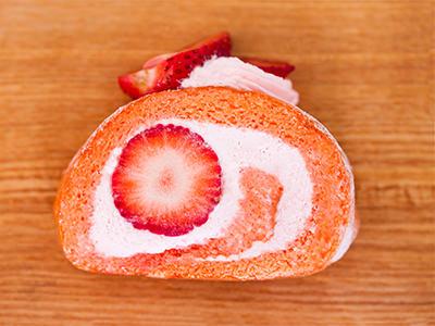 <アンリ・シャルパンティエ>の「いちごのロールケーキ」
