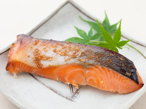 鮭を焼いたもの