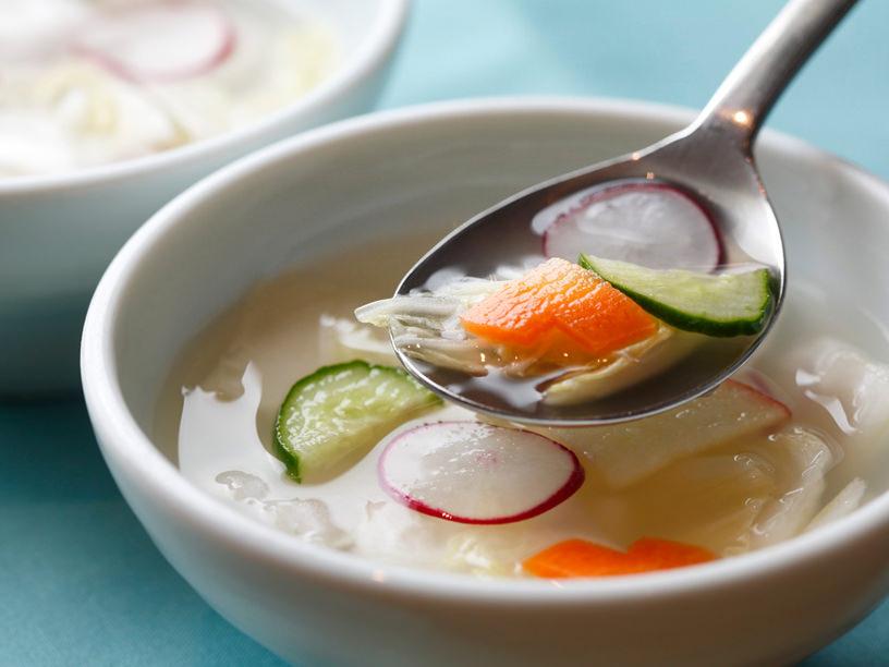 韓国料理店の本格「水キムチ」レシピ。汁こそ美味が本場流! | 三越 ...