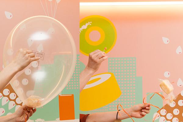空飛ぶケーキの風船を針で割るところ/風船が弾けて飛び出したシフォンケーキ