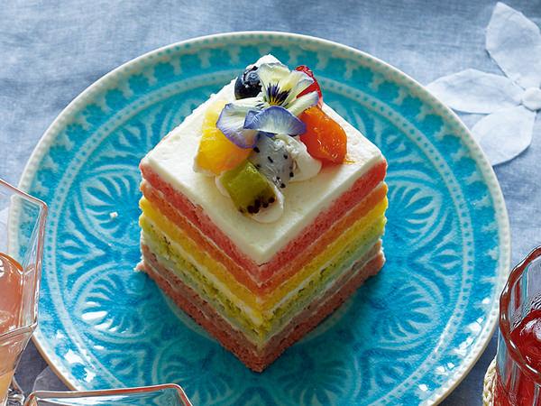 リーポールのフルーツレインボーケーキ