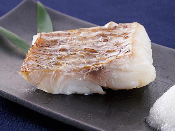 魚谷清兵衛商店 真鯛の一口大干物