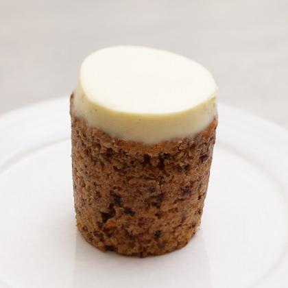 ローズベーカリーのキャロットケーキ